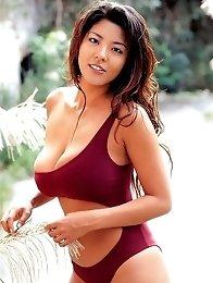Sensual japanese bigtits model Harumi Nemoto posing