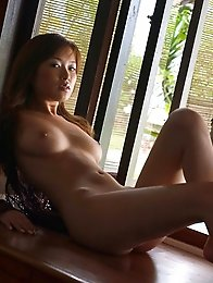 Yua Aida shows off her killer body in lingerie and high heels