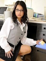 Satomi Suzuki showing off her rack