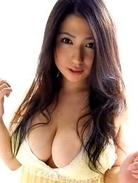 Nonami Takizawa shows immense bazoom bas in yellow lingerie