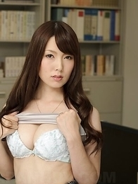 Yui Hatano undresses at the library showing