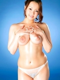 Rika Aiuchi with huge nude boobs shows how flexible she is